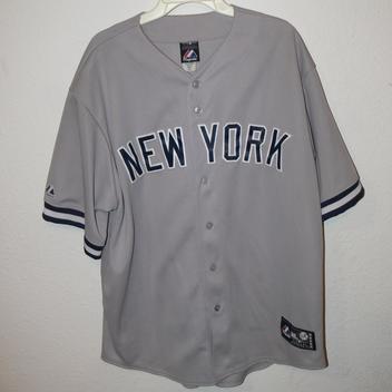 4b3928df6bd Majestic NEW YORK YANKEES Jersey Mens Size XL   Baseball Accessories ...