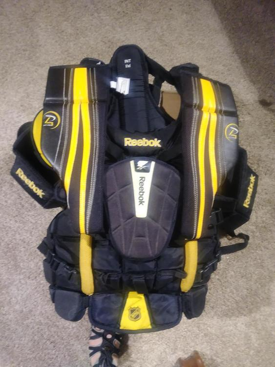 f9473206b30 Reebok Premier Pro Chest and Arm Protector Goalie Chest Protector ...