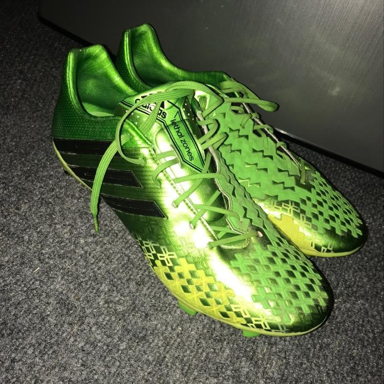 best sneakers e47e4 83be8 Adidas Predator Lz 2