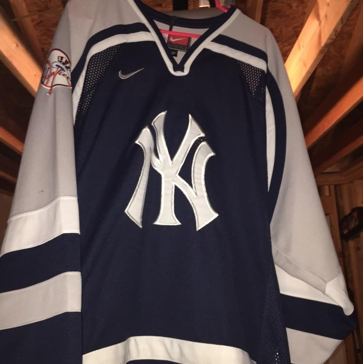 quality design 9c4b2 30ae8 New York Yankees Nike Hockey Jersey- #2: SIZE LARGE