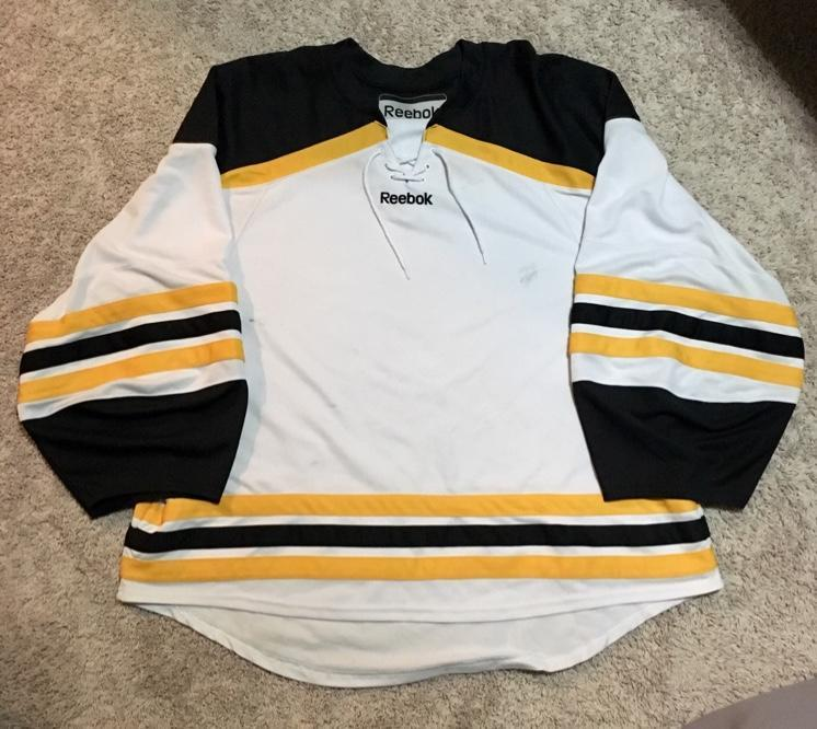 accbf78e400 Reebok Boston Bruins Uncrested White Goalie Cut Jersey 58G | SOLD ...