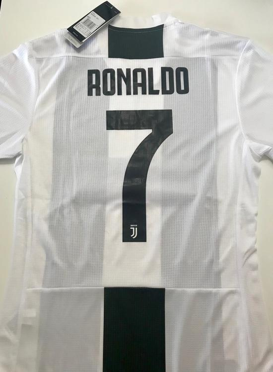 sports shoes f00fb 58f66 Adidas RONALDO JUVENTUS HOME PLAYER JERSEY NEW | Soccer Apparel & Jerseys |  SidelineSwap
