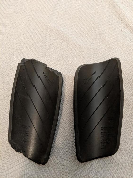 f72a4771f628 Nike *2 * sets of Mercurial BLADE *CARBON FIBER*   SOLD   Soccer Shin Guards    SidelineSwap