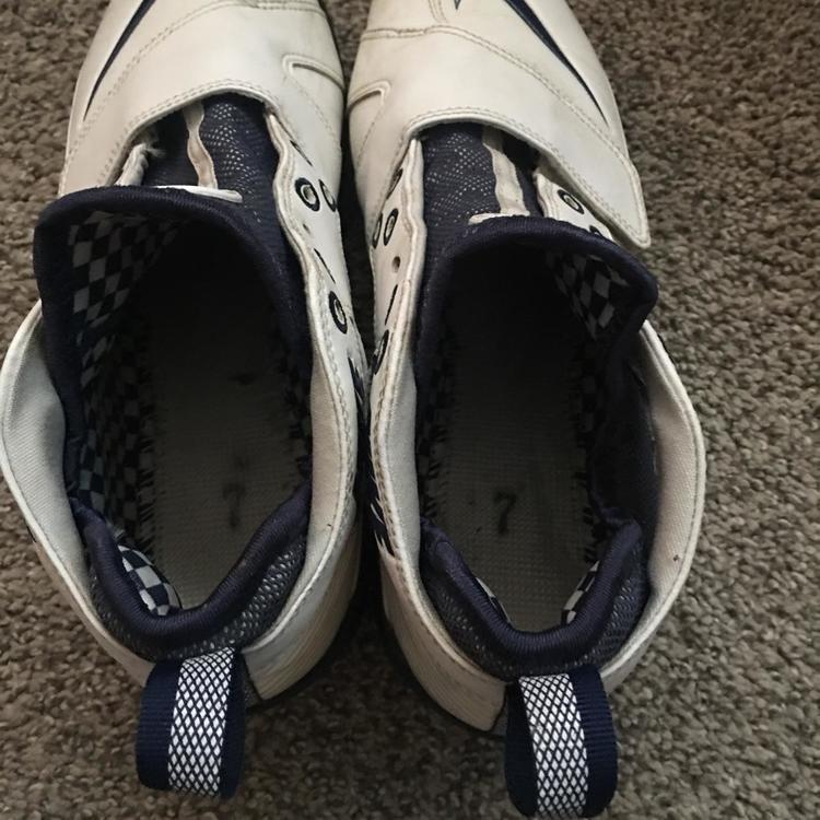 298e24b955c29 Nike Huarache 2 White  Navy Size 7
