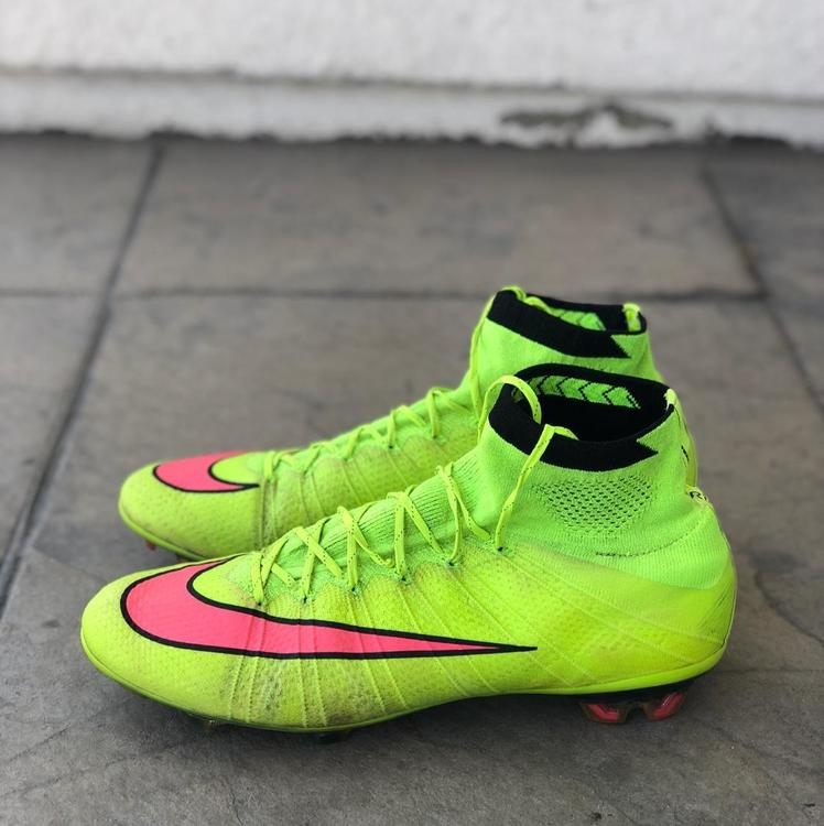 watch 81c36 0bc54 Nike Mercurial Superfly 4 ( Looking For Trades To )
