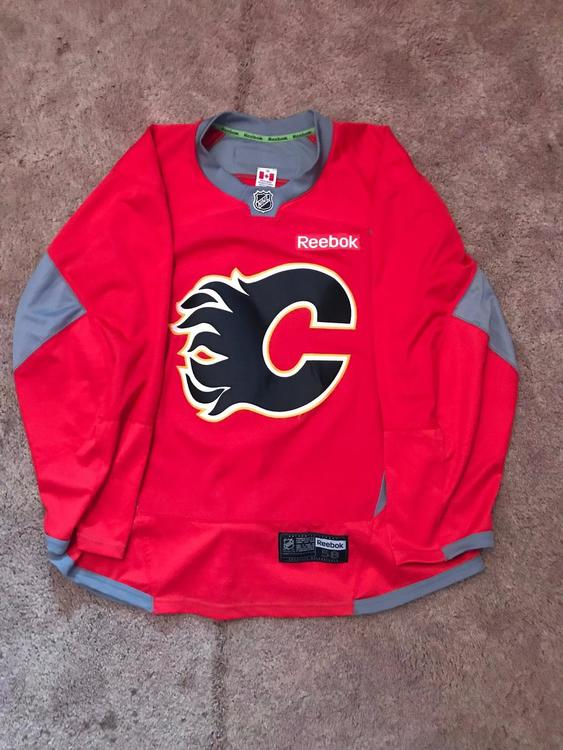 info for 1e4d0 5db81 Calgary Flames Pro Stock Red Reebok Edge Practice Jersey