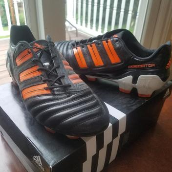 newest 36636 f465b Soccer Cleats   Buy and Sell on SidelineSwap
