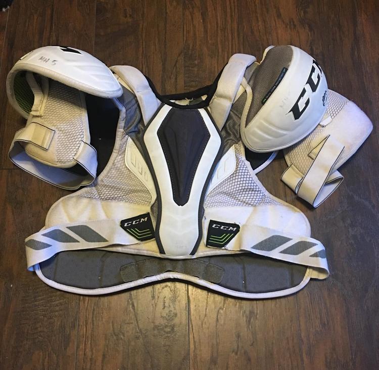 Ccm 20k Pro Stock Sold Hockey Shoulder Pads Sidelineswap