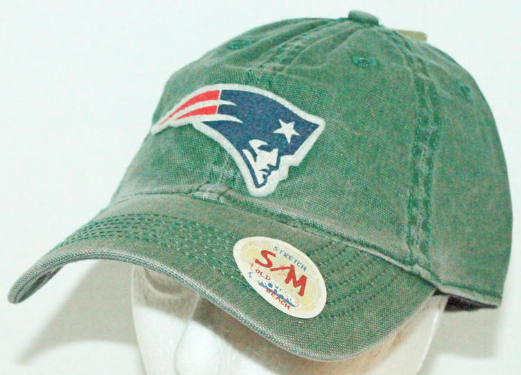 competitive price 87b31 a2fde NEW ENGLAND PATRIOTS ADULT S M GREEN STRETCH SLOUCH HAT NFL REEBOK NEW    15% OFF   Football Apparel   SidelineSwap