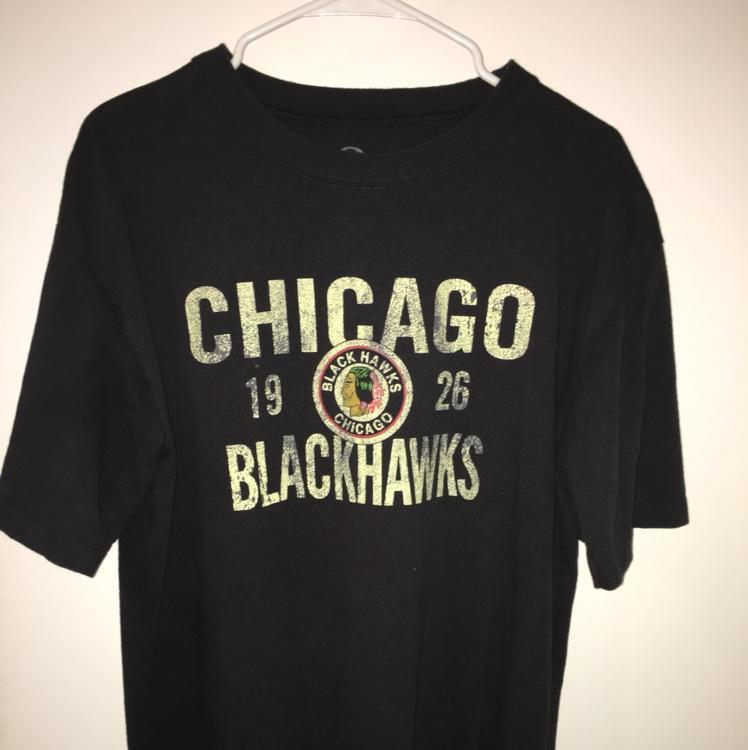 size 40 38890 5c2c8 Chicago Blackhawks Throwback Logo Shirt Mens Large