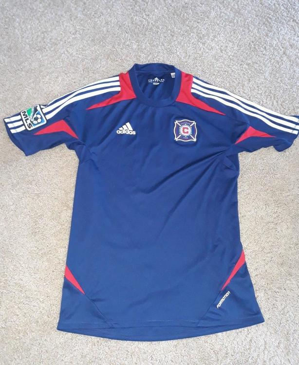 the latest 162a9 c3518 2011/2012 Adidas Chicago Fire Training Jersey