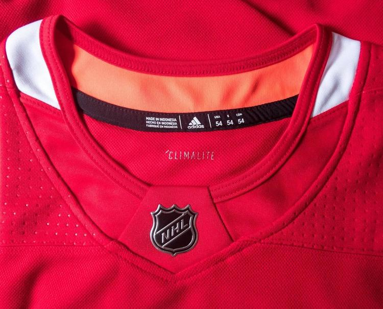 aa7fd2e8d Adidas Chicago Blackhawks NHL Authentic Jersey Size 54 Red New With Tags
