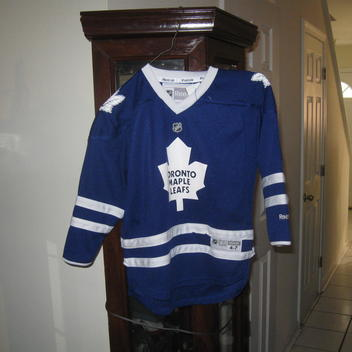 b3810c7f2 Reebok MAPLE LEAFS YOUTH HOME JERSEY(4-7)
