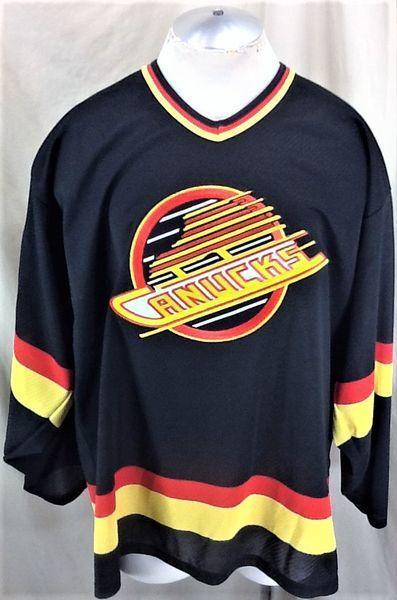the best attitude fd5b2 4bb42 VINTAGE 90'S CCM VANCOUVER CANUCKS OLD LOGO (XL) RETRO NHL HOCKEY GRAPHIC  JERSEY