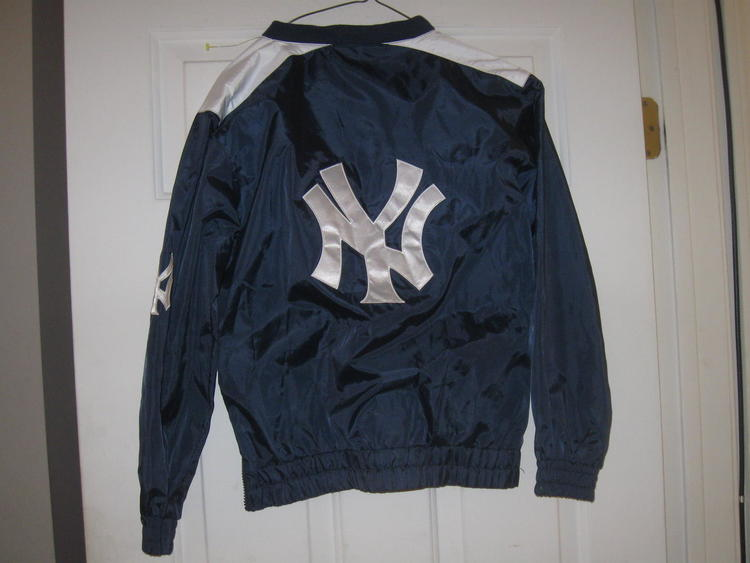 NY YANKEES YOUTH G-III PULOVER JACKET(M 12 14) EMBRIODED!  ee73fc7adfd