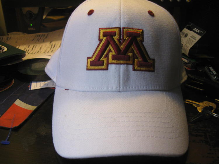 6618b2deb6a MINNESOTA GOLDEN GOPHERS FITTED TOP OF THE WORLD HAT(S M) EMBRIODED ...