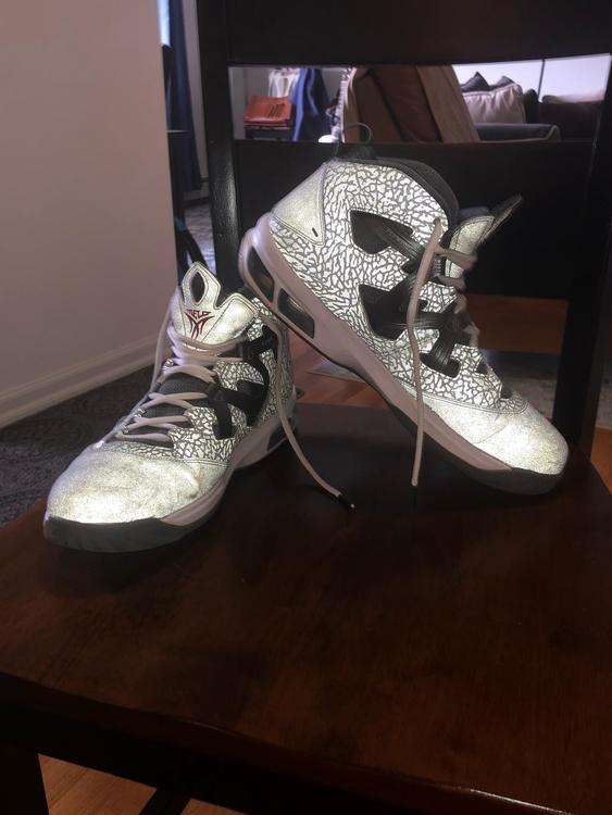 0ce32afe12cb21 Air Jordan Nike Melo M9 - Xmas - Size 11