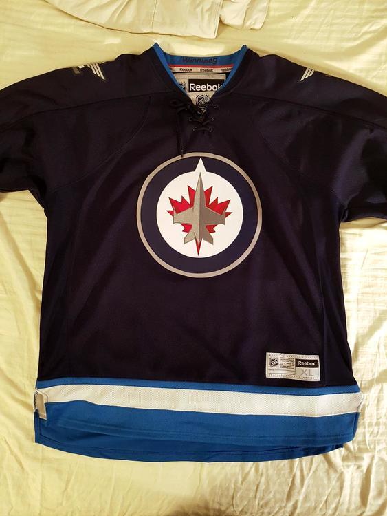 best service 72890 fd166 Reebok Premier Winnipeg Jets jersey - size XL