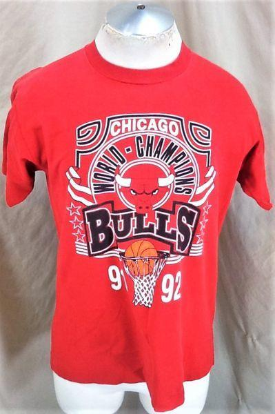 promo code abd38 fc886 VINTAGE 1992 CHICAGO BULLS BASKETBALL (MED/LARGE) NBA WORLD CHAMPIONS  GRAPHIC SHIRT