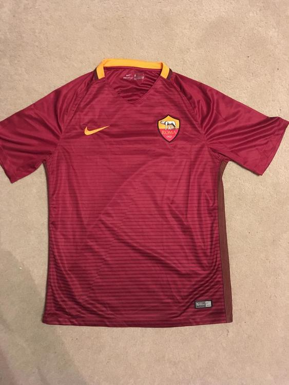buy online a1479 84d66 Nike AS Roma Authentic Home Jersey
