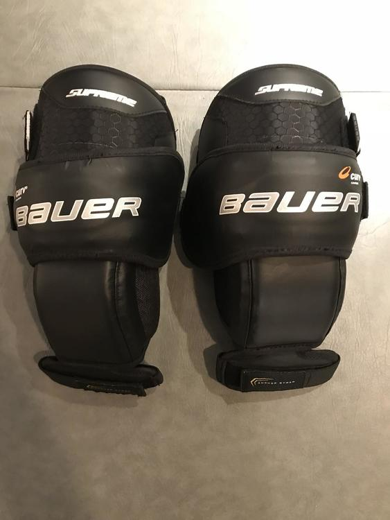 Bauer New 1s Goalie Knee Guards Sold Hockey Goalie Other