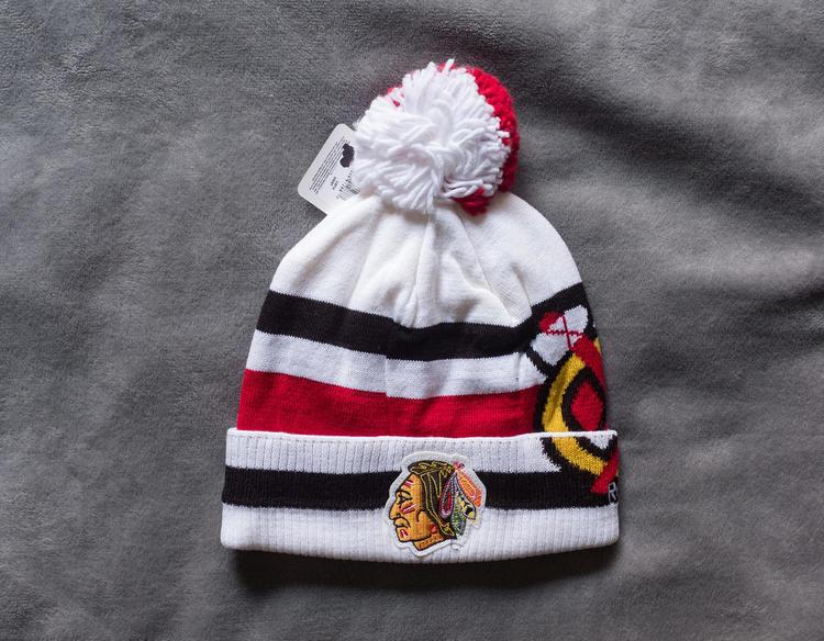 Chicago Blackhawks Winter Classic 2017 Knit Winter Hat Beanie Pom St Louis  Blues Reebok - SOLD b7fa51f5a05