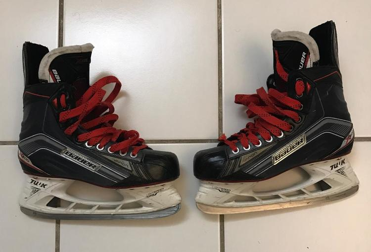 Bauer Vapor X600 W Red Laces   SOLD   Hockey Skates   SidelineSwap