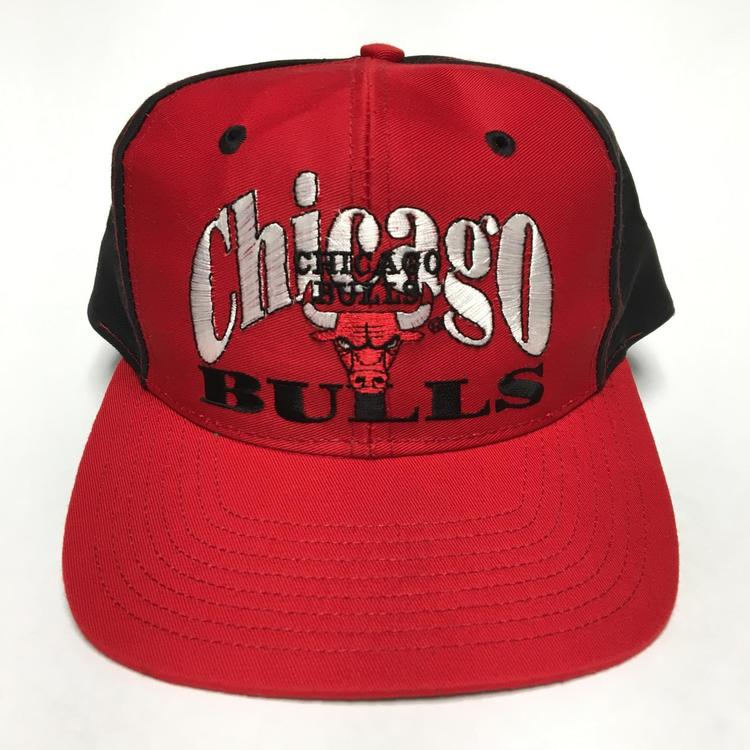 b35d6775a38497 Vintage Chicago Bulls Snapback Hat. Related Items