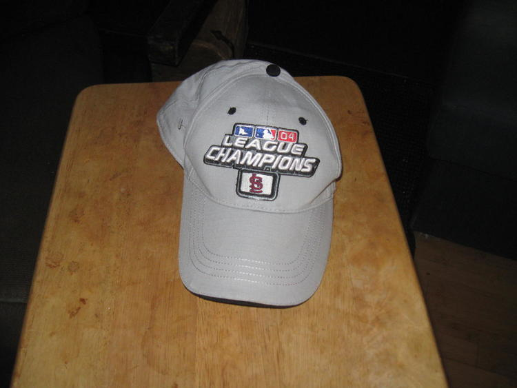 CARDINALS 2004 NATIONAL LEAGUE CHAMPIONS HAT EMBRIODED!  9ddb5f04c37