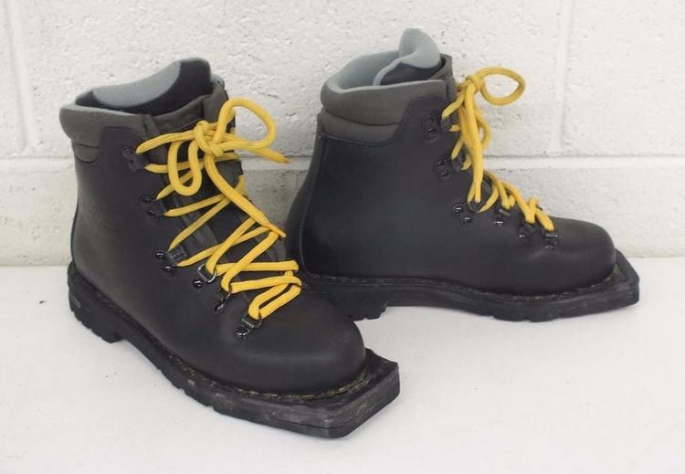 Asolo New Snowfield Padded Black Leather 3 Pin Nordic Norm Alpine Boots 536