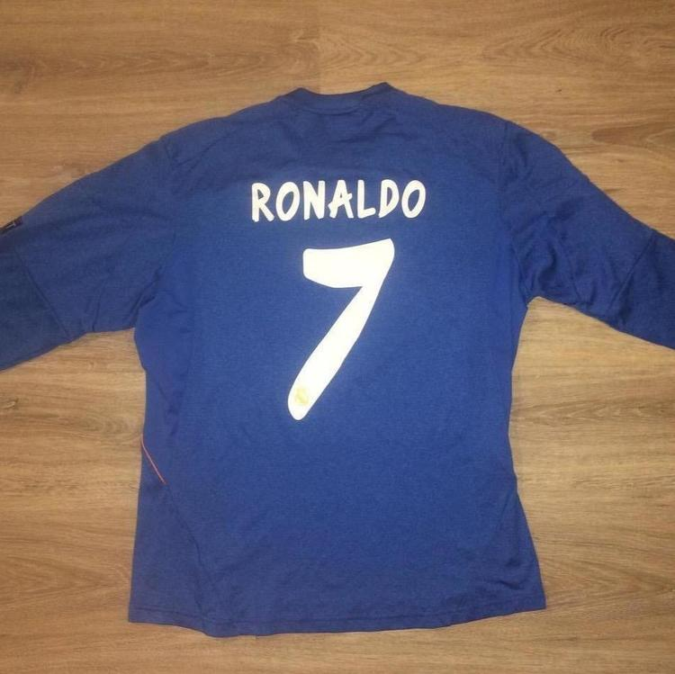 detailed look daa59 a9bc2 (Medium) New Adidas Real Madrid / Cristiano Ronaldo Jersey