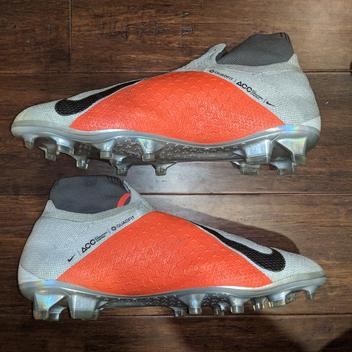 d08ca99eb83e Soccer Cleats | Buy and Sell on SidelineSwap