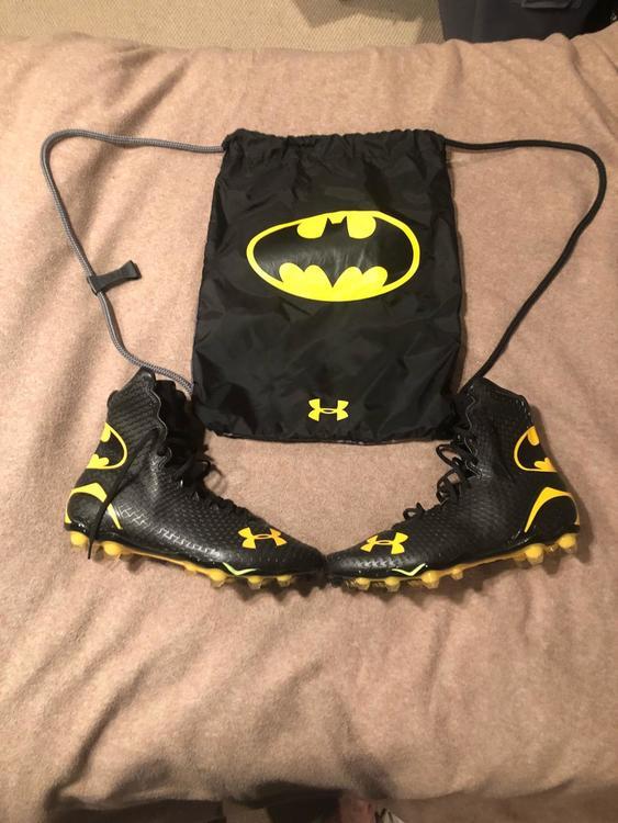 b6cab8dca86 Under Armour RARE UA Batman Alter Ego Highlight Cleats