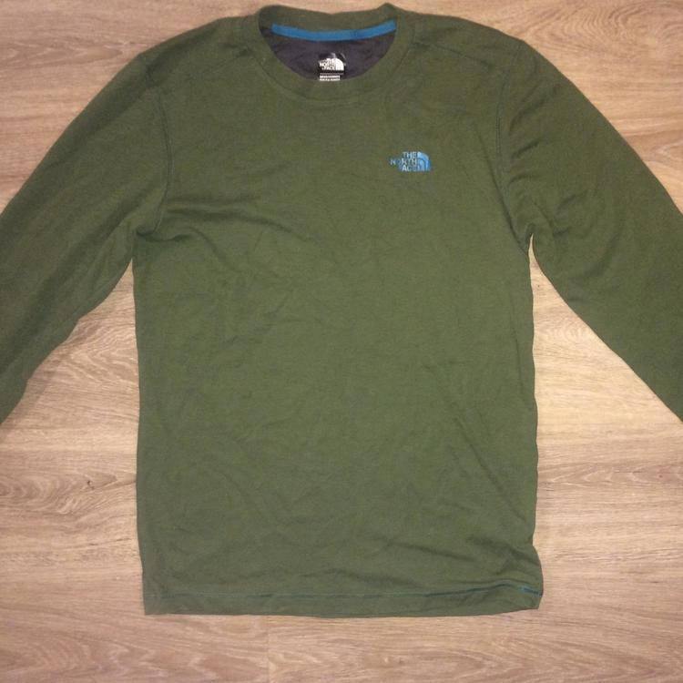 14b208cd (Small/YOUTH Large) New The North Face Long Sleeve Dry Fit Shirt - NEW  LISTING