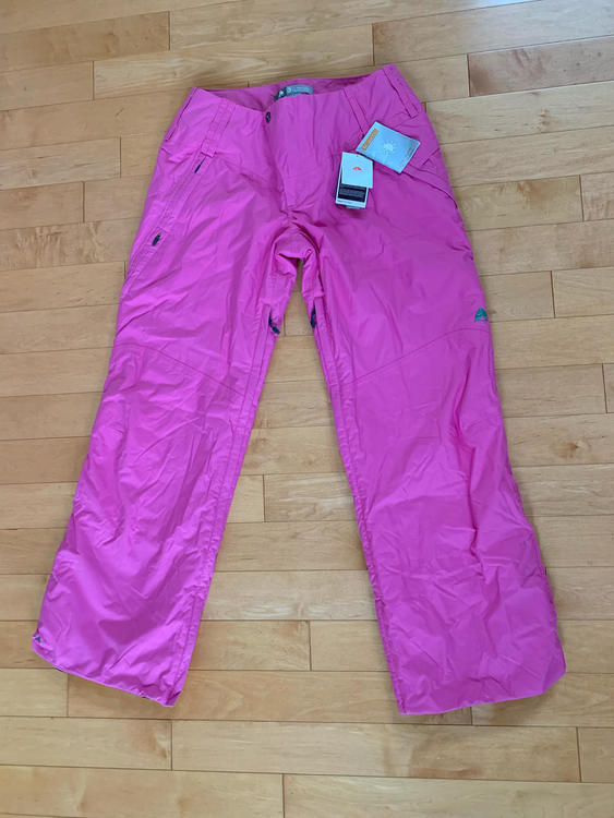959296b85260b2 Nike Brand New with Tags Storm-Fit ACG Women (L) Thermore Pink Pants MSRP   200