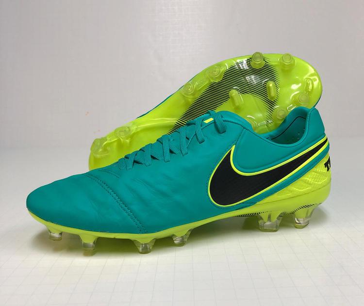 brand new c8fba 9fe34 Nike Tiempo Legend VI Firm Ground Soccer Cleats
