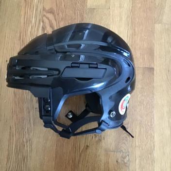 Warrior Franchise Senior And Bauer La Kings Bauer Helmet Package