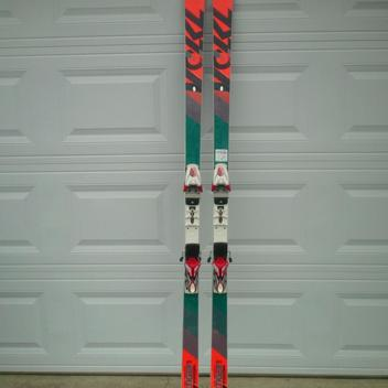 Groovy Racing Skis   Buy and Sell on SidelineSwap FO16