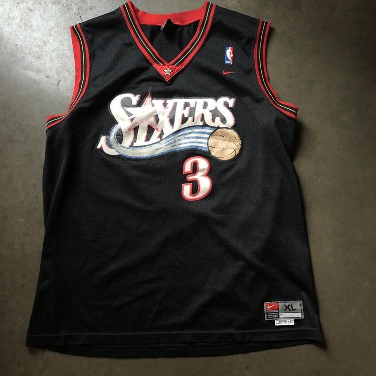 7e153469095 Men s Vintage Nike Philadelphia 76ers Allen Iverson Black Swingman Jersey  Sz XL. Related Items
