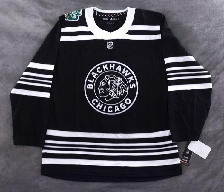 new product c7127 4eb65 Chicago Blackhawks 2019 Winter Classic Jersey Blank, Adidas Size 46 BNWT