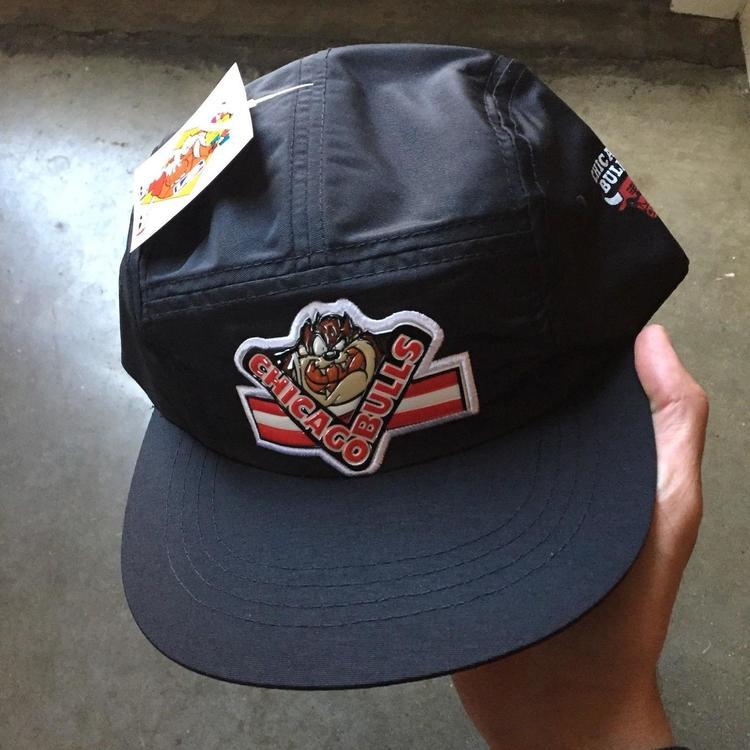 4dda3532a5c Men s Vintage Chicago Bulls Looney Tunes Taz Black Space Jam Jordan 5 Panel  Hat