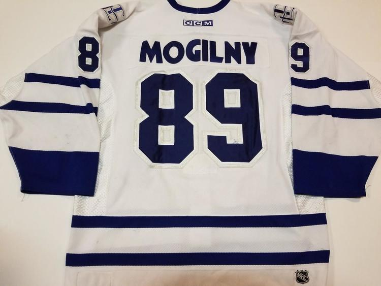 100% authentic 28d39 1d9d4 ALEXANDER MOGILNY 02'03 Toronto Maple Leafs PHOTOMATCHED Game Worn Used  Jersey