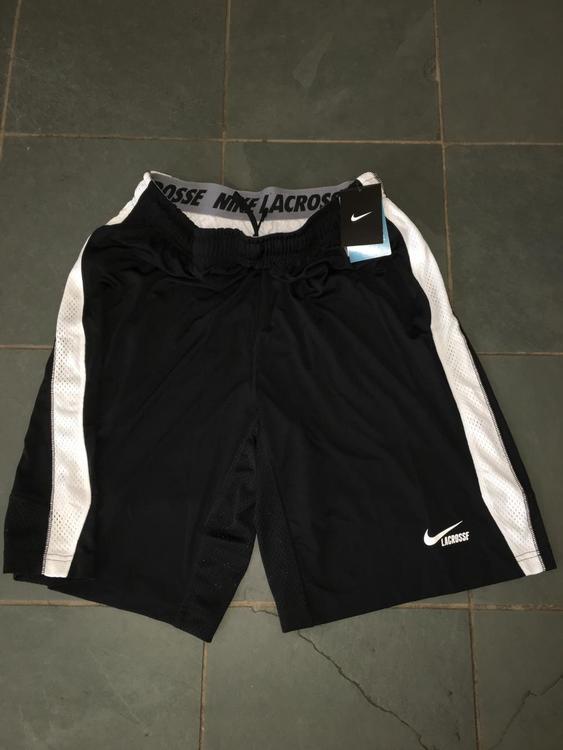 New Nike Lacrosse Shorts w  pockets training LARGE DRI-FIT - NEW LISTING b74a388fd64