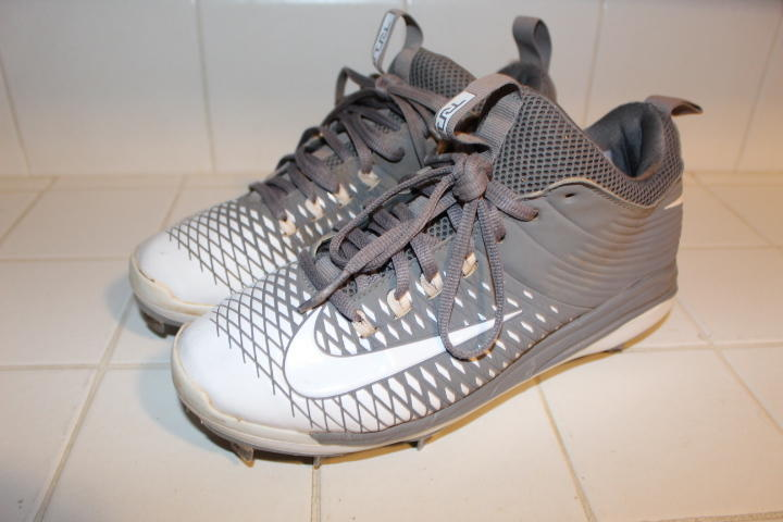db8f85695 NIKE PRO MIKE TROUT II 2 SIGNATURE EDITION 2KFILTH BASEBALL CLEATS 7.5 METAL  SPIKES WHITE GREY HTF. Related Items