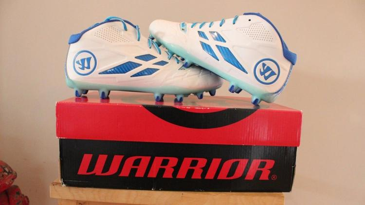 33e543b5b57 New Warrior Burn 8.0 Mid Cleats white and blue size 11.5