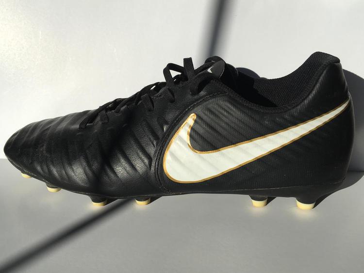 buy online 99db6 8e511 Nike Tiempo Legend 7 Club FG m11.5/w13