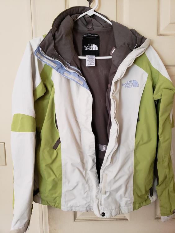 c09e5ca2fb The North Face   Reduced Price!  Gently used Woman s Small Jacket ...