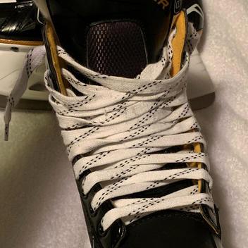 4d318f279ca Bauer  Like New  Supreme S160 Ice Hockey Skates - Senior Size 8 - D
