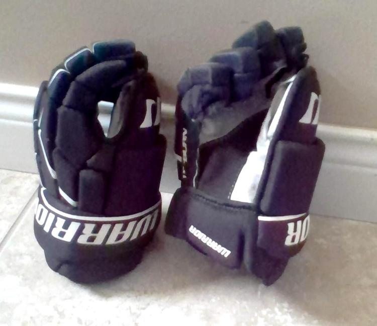 Warrior Hockey Gloves Youth 11