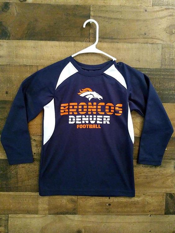 official photos c5b85 a0499 New NFL Team Apparel DENVER BRONCOS Football Polyester Youth Long Sleeve  Shirt